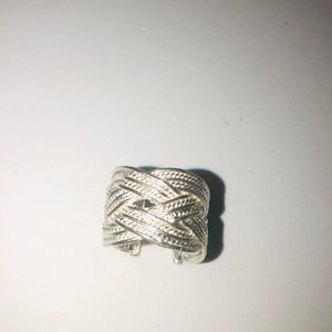 Jewelry - NWT Silver plated ring